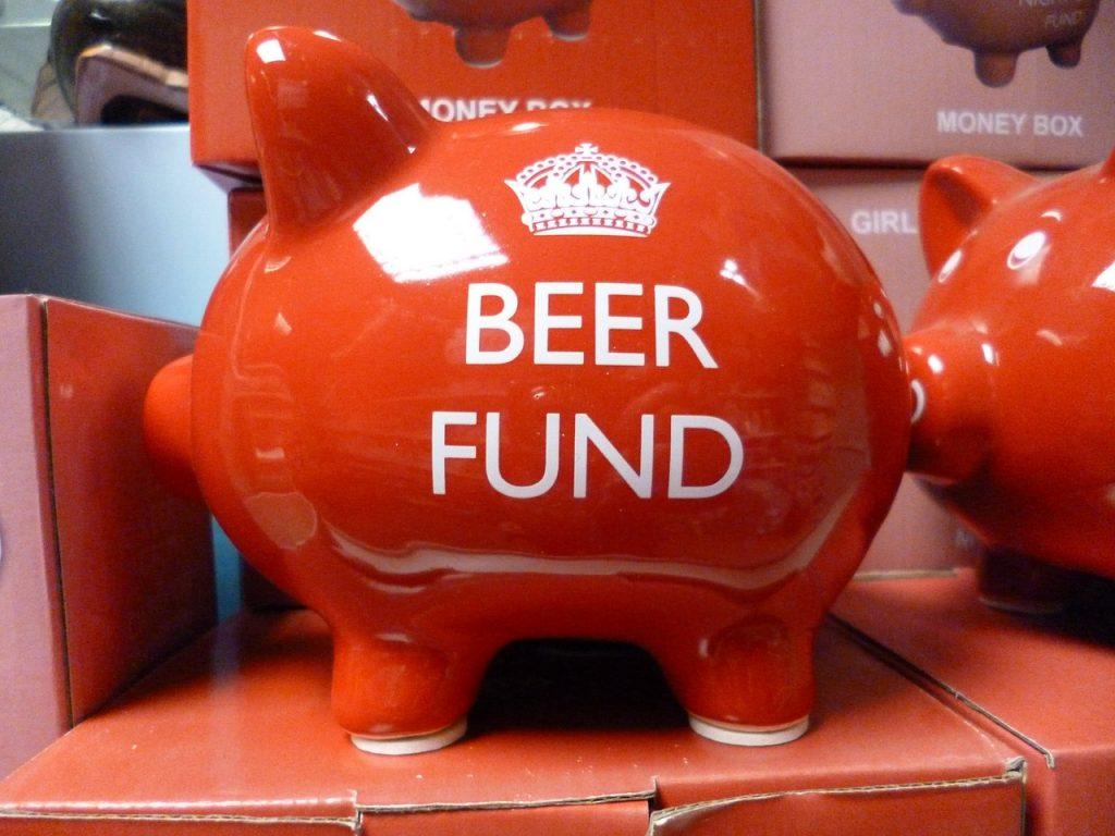 8 idei prin care să economisești bani în timpul facultății