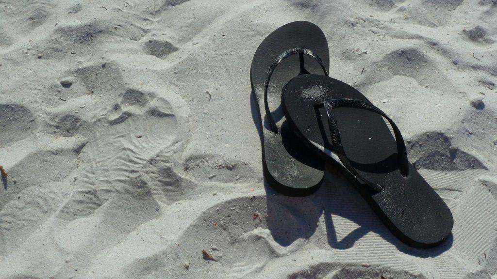 Cât de sănătoasă este încălțămintea de vară pentru picioare