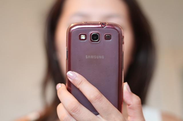 smartphone-565610_640